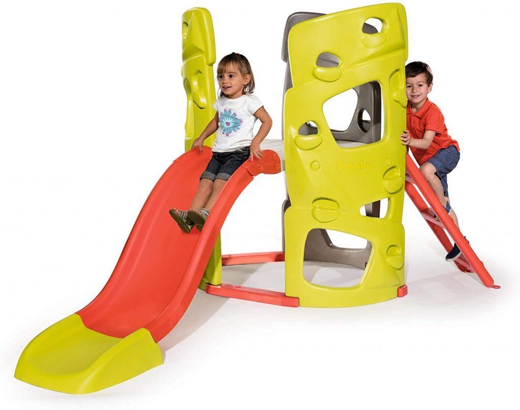 Ce toboggan Smoby pour enfant fait également tour d'escalade.