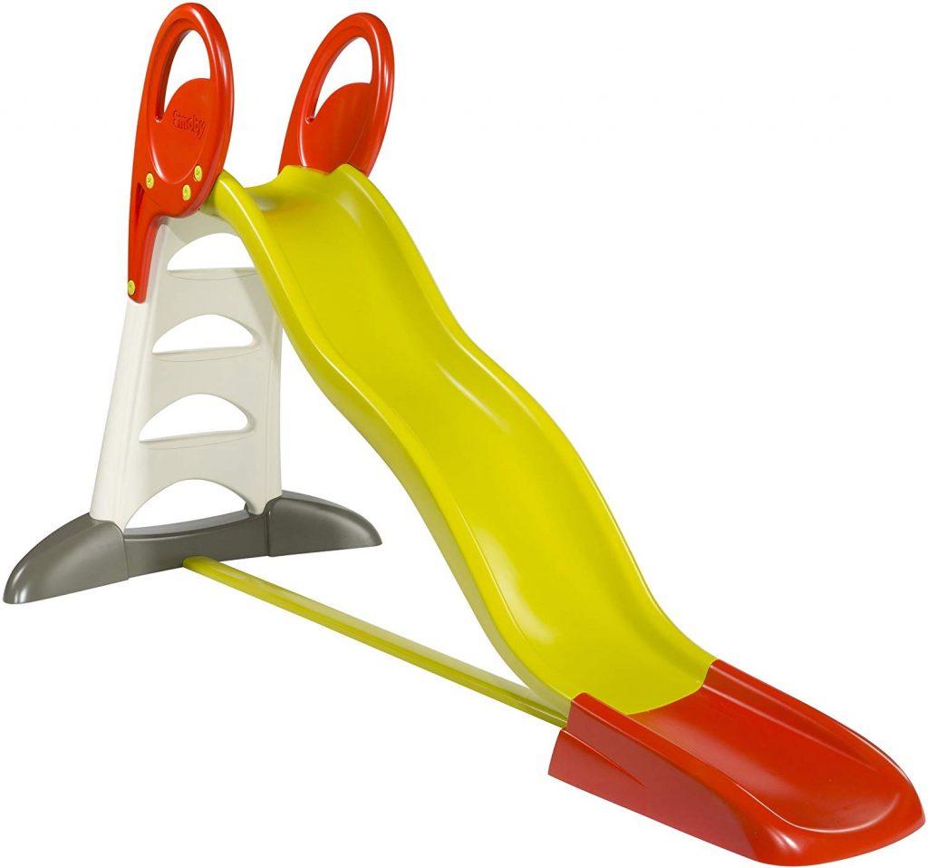 Le toboggan Smoby XL propose une glissière de 2,30 mètres de long pour amuser vos enfants.