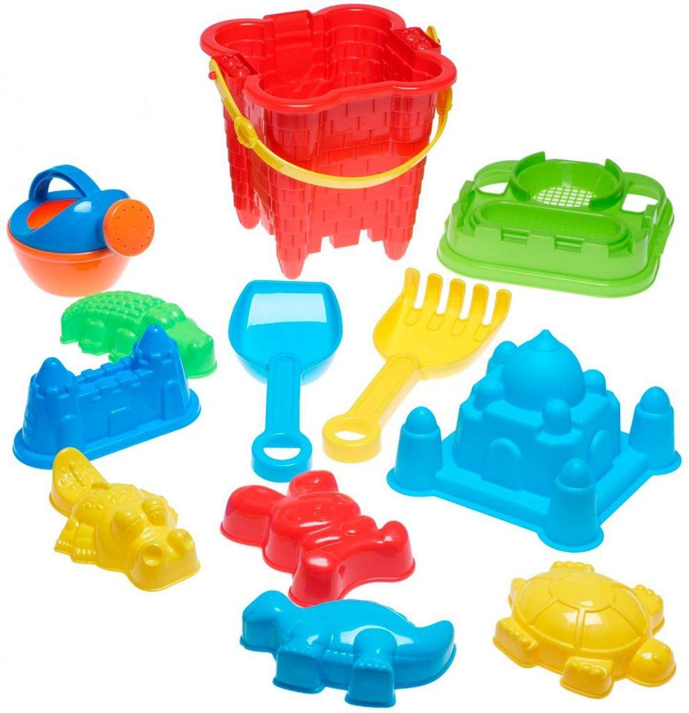 Le seau de plage complet comporte tout l'équipement nécessaire pour que votre enfant joue dans le sable.